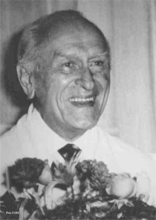 dr Wiktor Dega