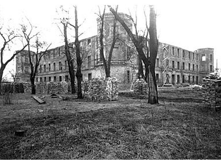 Zamek i szpital Ujazdowski - stan obiektu w 1949 r.